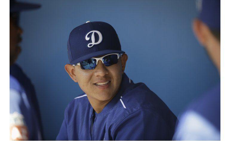 Dodgers envía al mexicano Urías de regreso a Ligas Menores