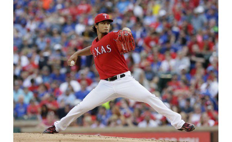 Darvish vence a Piratas en su primer salida desde 2014