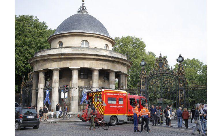 París: 8 niños y 3 adultos heridos al caerles un relámpago