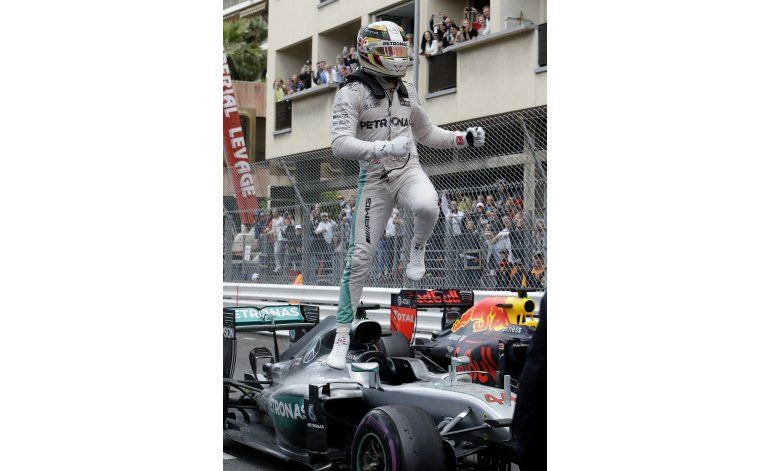 Hamilton se reencuentra con el triunfo en Mónaco