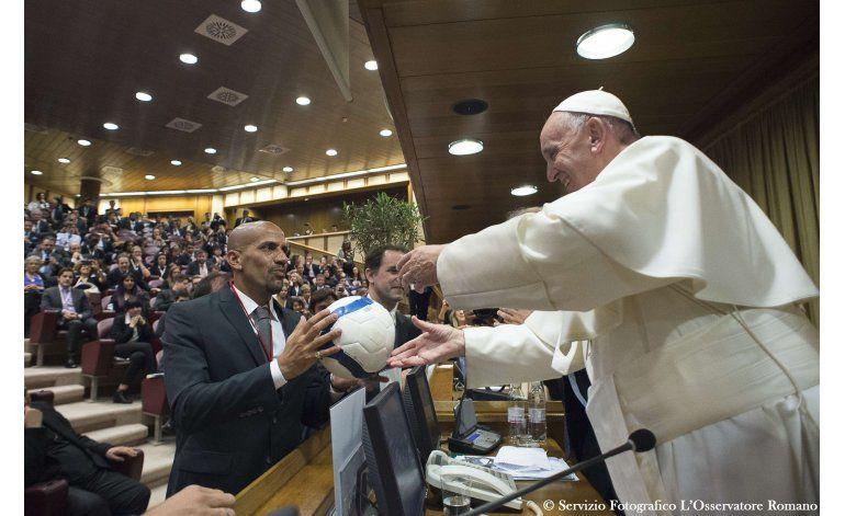 Papa Francisco descarta retirarse como predecesor