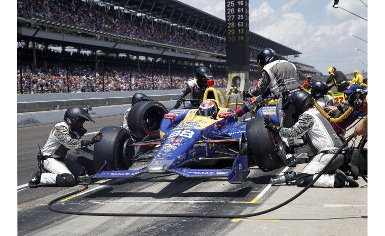 El novato Alexander Rossi triunfa en la Indy 500