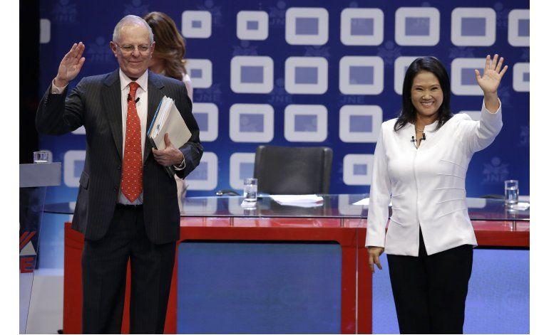 Perú: Kuczynski y Keiko Fujimori ahondan rivalidad en debate