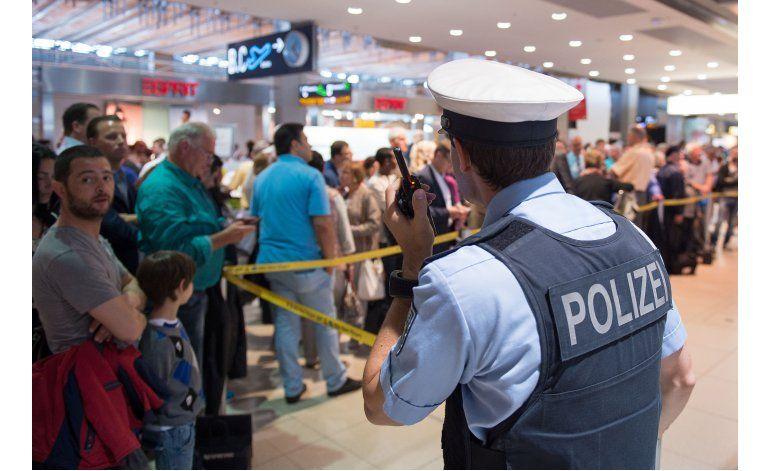 Arrestan a hombre que evadió seguridad en aeropuerto alemán