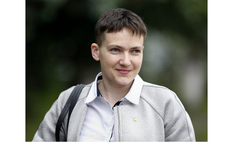 Piloto ucraniana Savchenko asume como legisladora en Kiev