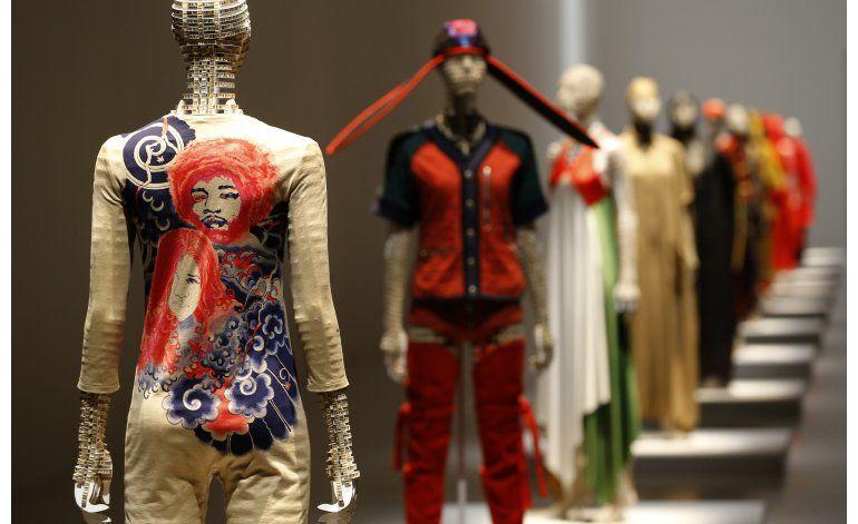 Tokio: Museo exhibe contantes innovaciones de Issey Miyake