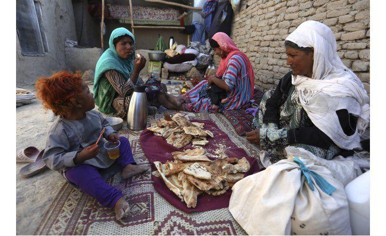 La guerra desplaza a 1,2 millones de afganos, dice Amnistía