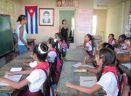 gobierno cubano retira el almuerzo a maestros y les da 15 pesos a cambio