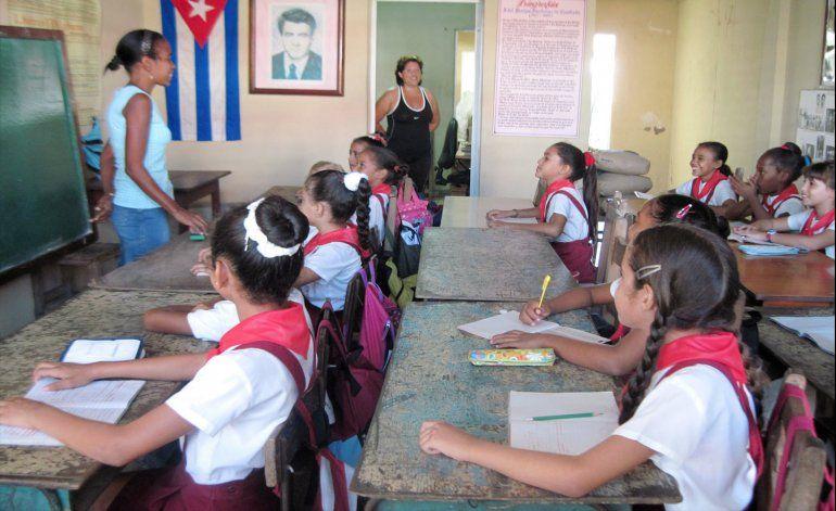 Creciente escasez de maestros en Cuba
