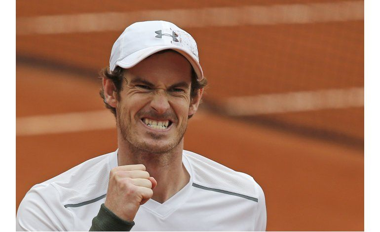 Un irascible Andy Murray se cita con Wawrinka en semis