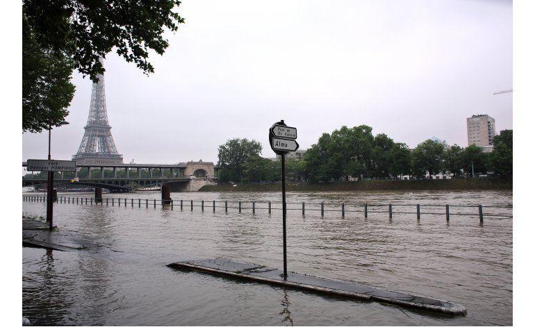 Miles de evacuados por las lluvias que inundan París