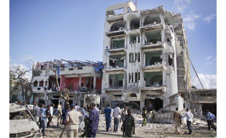 Tropas somalíes acaban con asedio a hotel, 15 muertos
