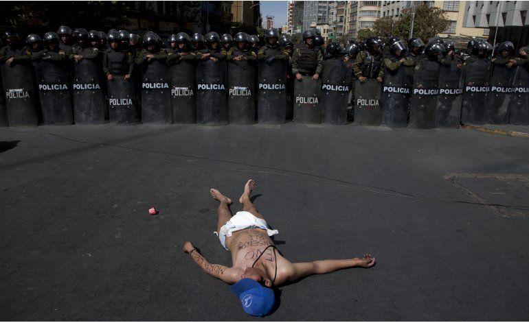 Camioneros dan tregua a Morales en sus protestas
