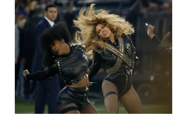 Beyonce se roba el show al recibir premio Icono de la moda