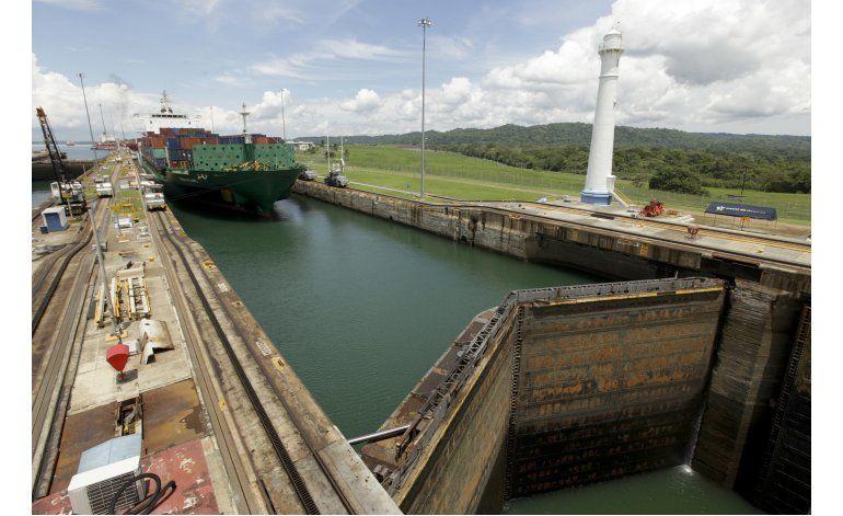 Ampliación del canal de Panamá: nerviosismo de remolcadores