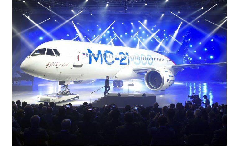 Rusia presenta nuevo avión comercial