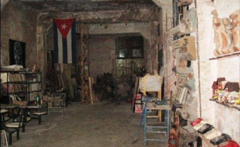 Cubanos se roban letras de monumentos y restos de edificios en La Habana