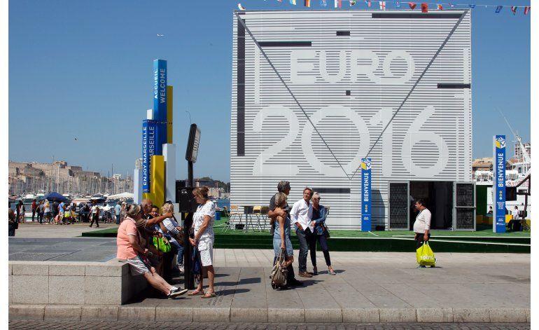 FIFA podría frenar planes para invitar a Platini a la Euro