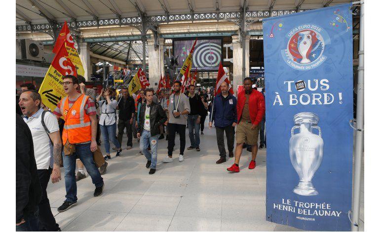 Huelga de recolectores de basura afecta a París