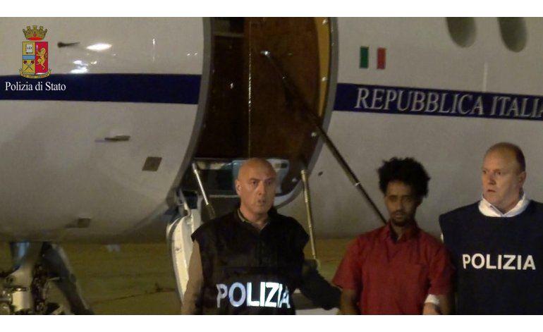 Italia detiene a presunto líder contrabandista de migrantes