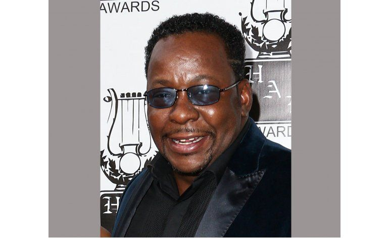 Bobby Brown dice que Houston fumó marihuana con su hija
