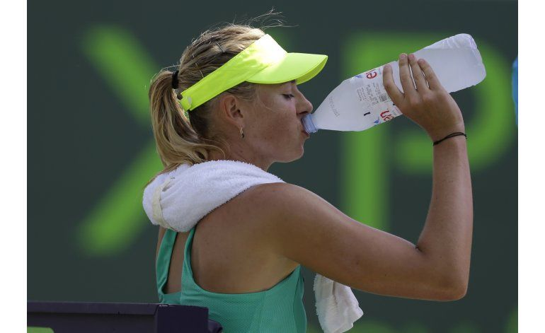 Patrocinadores refrendan apoyo a Sharapova pese a suspensión