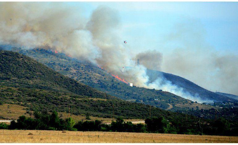 Tiempo favorable facilita extinción de incendio en Arizona