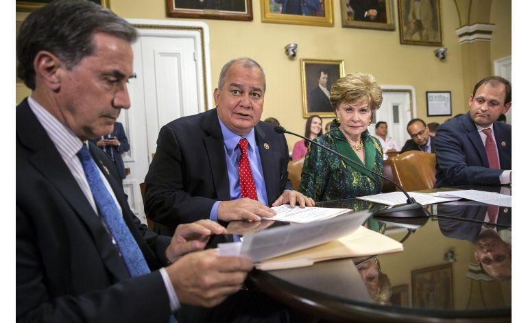 Cámara baja aprueba ley sobre deuda de Puerto Rico