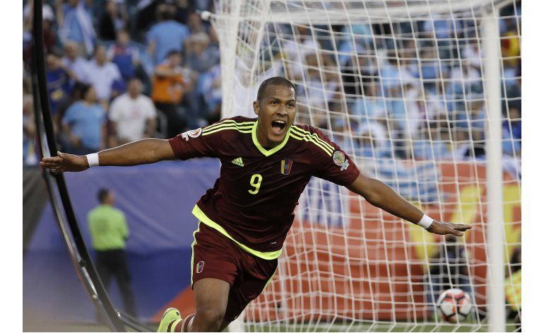 Venezuela avanza a cuartos y elimina a Uruguay