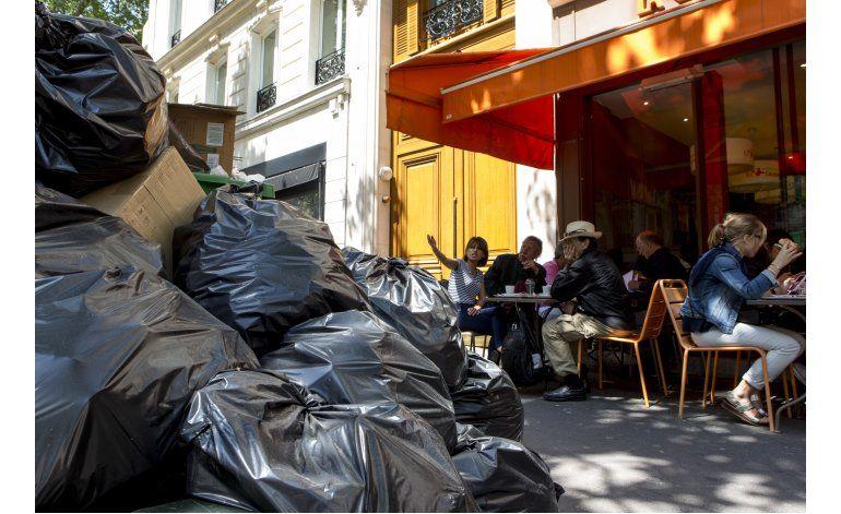 Huelgas en Francia afectan trenes y recogida de basura
