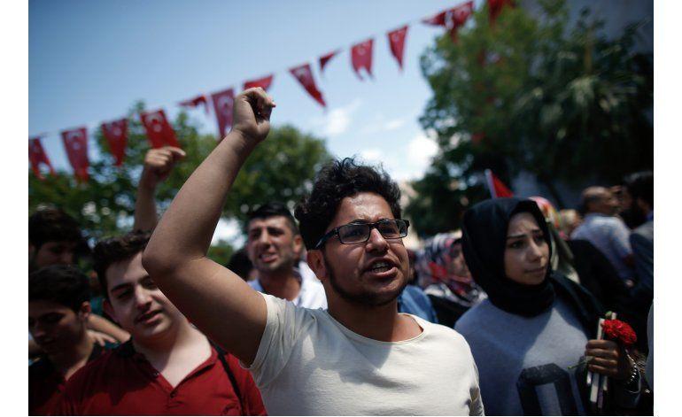 Grupo curdo reivindica coche bomba en Estambul