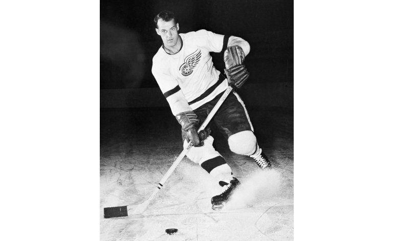 Gordie Howe, conocido como Mr. Hockey, muere a los 88 años