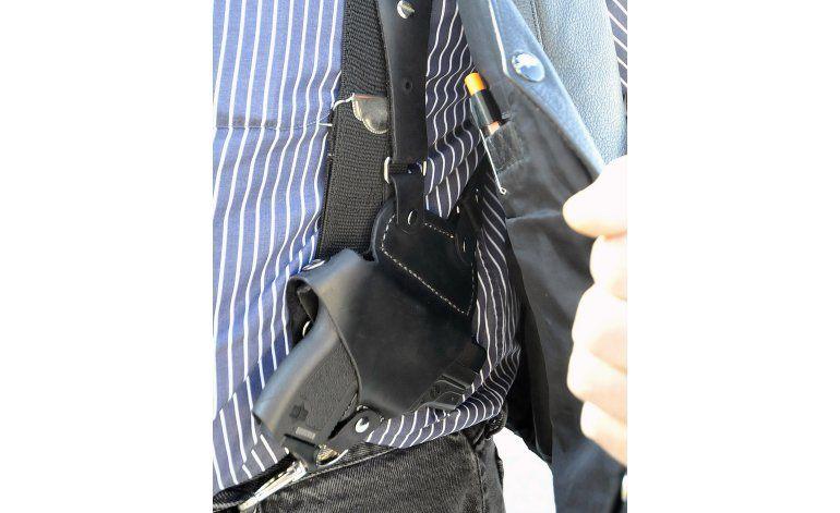 Tribunal avala medida sobre portación de armas en California
