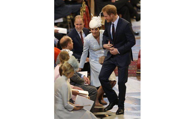 G. Bretaña conmemora con gratitud los 90 años de la reina