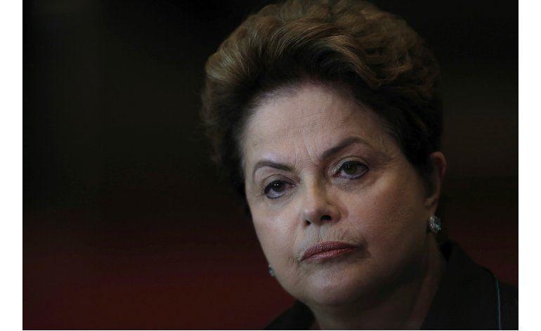 Rousseff sugiere referéndum después de juicio político