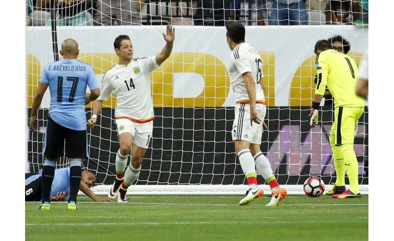 Borgetti sabe que Chicharito superará su récord goleador