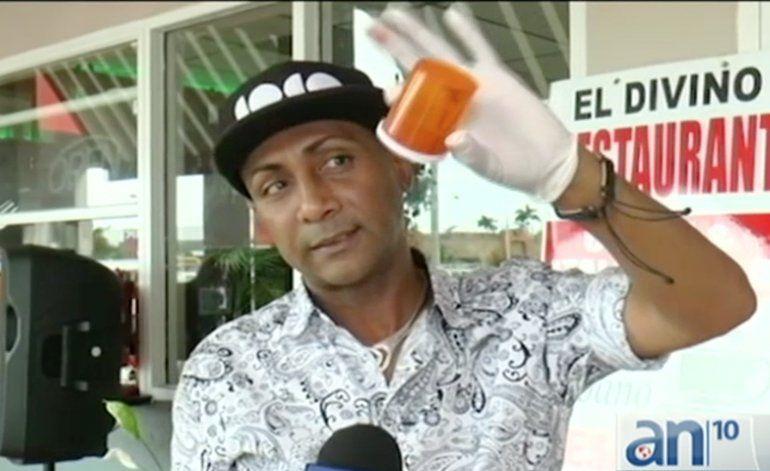 Comerciantes y clientes  repudian el hallazgo de extraño polvo rojo en la entrada de un restaurante de Miami