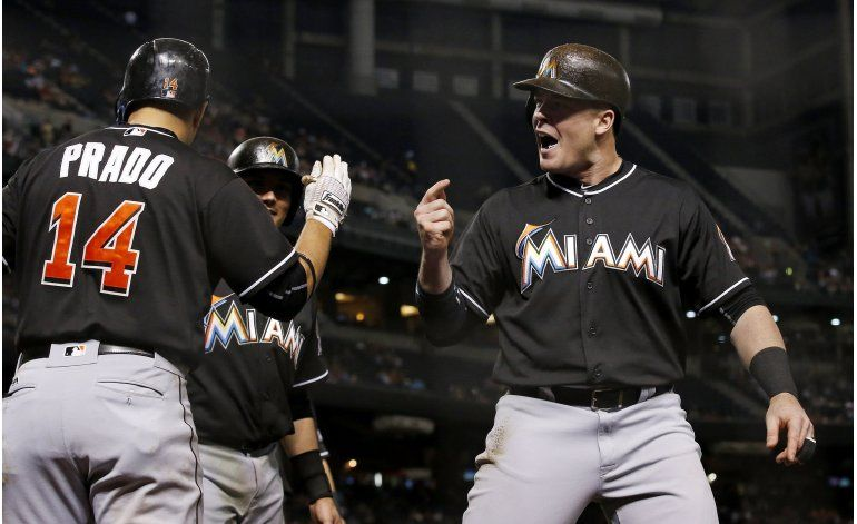 Marlins remontan a Arizona con grand slam de Bour