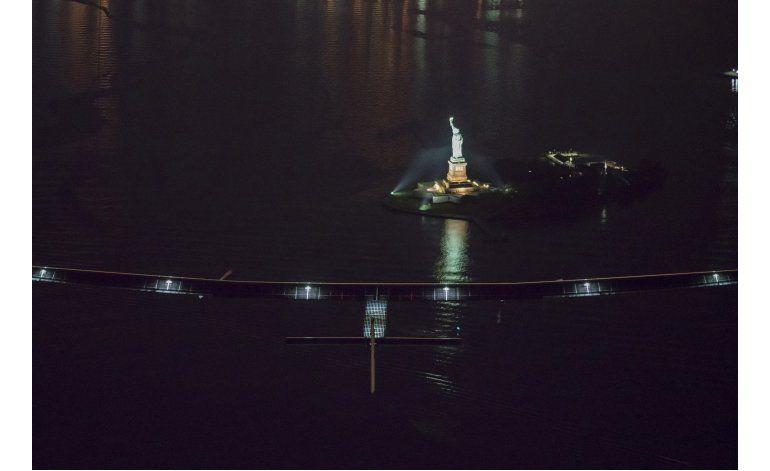 El avión solar aterriza en Nueva York