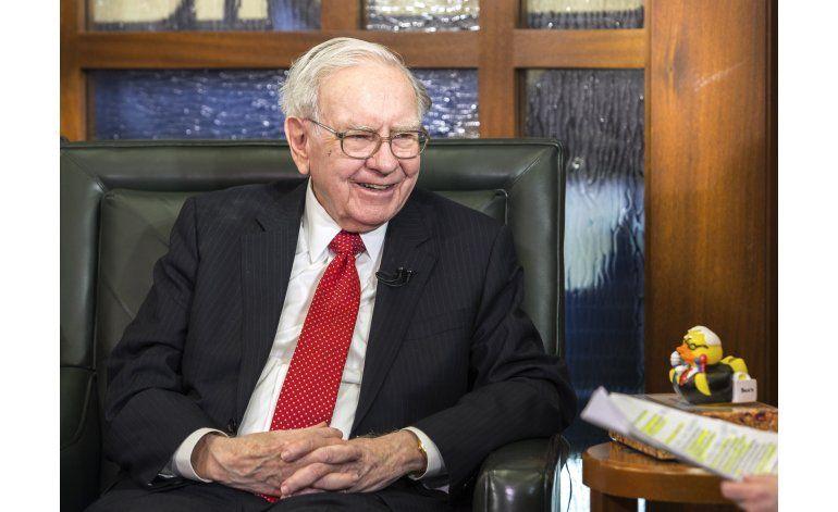 Subastan almuerzo privado con Buffett: más de 3,4 millones
