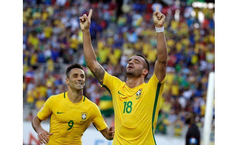 Brasil, Perú y Ecuador en pelea por boleto a cuartos