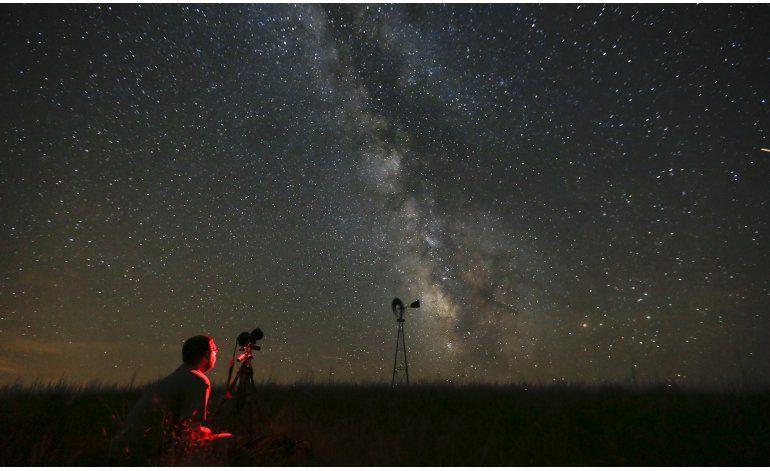 Muchos no pueden ver la Vía Láctea por contaminación