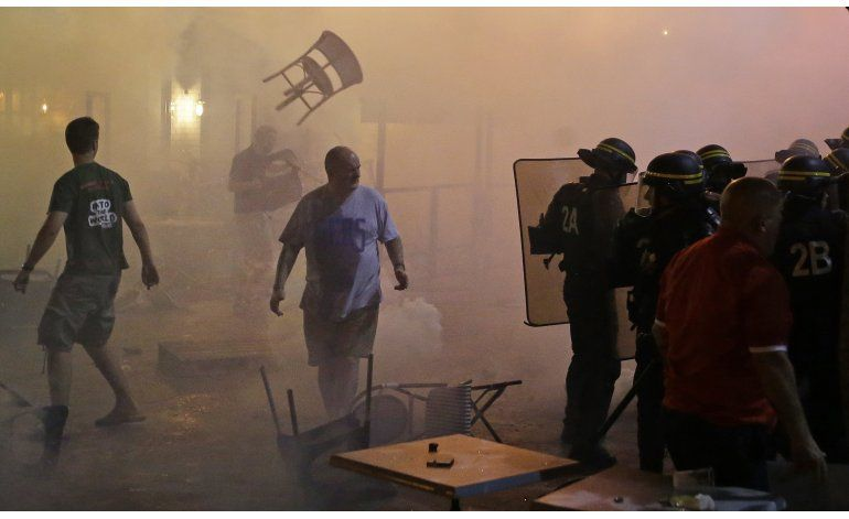 Estallan disturbios en Marsella por partido Inglaterra-Rusia