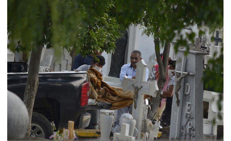 México: Conmociona matanza de 11 miembros de una familia