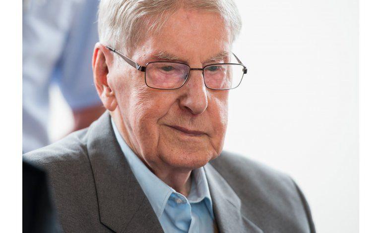 Abogado pide exoneración de ex guardia de Auschwitz