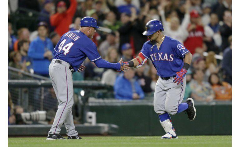 Rangers ganan a Marineros con jonrón de Odor en 11mo inning