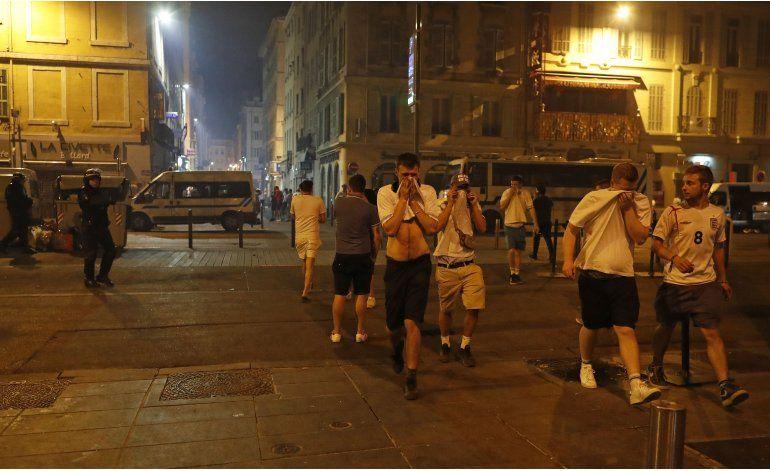 Autoridades: 44 heridos en choques en Marsella, Niza