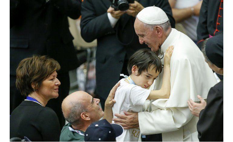 Papa critica tratamiento social de discapacitados