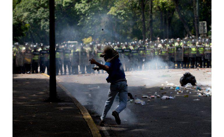 Venezuela: Abren proceso por muerte de joven en protesta