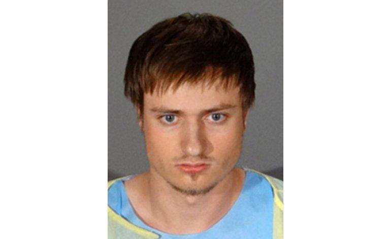 Hombre arrestado en California tenía armas y explosivos